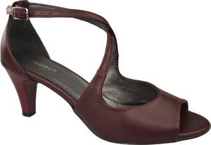 Brązowe sandały Jankobut na obcasie w stylu klasycznym na średnim obcasie
