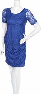 Niebieska sukienka Planet Motherhood z krótkim rękawem
