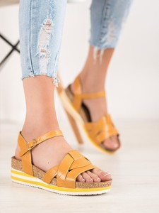 Sandały Czasnabuty na koturnie ze skóry na średnim obcasie