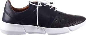 Buty sportowe bayla sznurowane