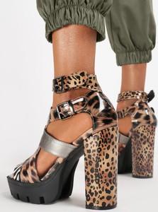 Sandały Renee na platformie