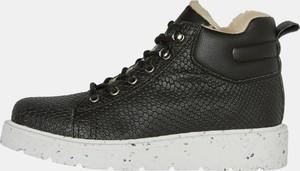 Buty sportowe Vero Moda w sportowym stylu