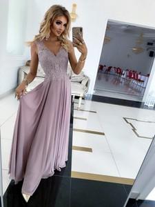 Sukienka E-sukienki.pl maxi z dekoltem w kształcie litery v