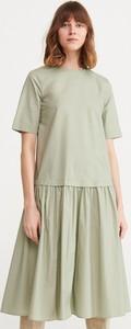 Zielona sukienka Reserved z krótkim rękawem midi z bawełny