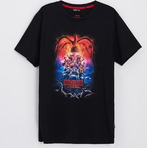 Czarny t-shirt Cropp w młodzieżowym stylu z nadrukiem