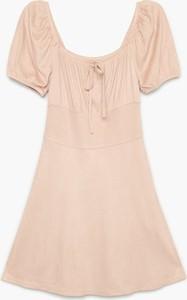 Sukienka Cropp z krótkim rękawem w stylu casual mini
