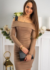 Brązowa sukienka Fason dopasowana w stylu casual mini
