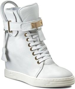 Buty sportowe R.Polański sznurowane na koturnie w młodzieżowym stylu