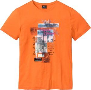 Pomarańczowy t-shirt bonprix bpc bonprix collection z nadrukiem w młodzieżowym stylu z krótkim rękawem