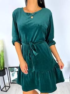 Zielona sukienka ModnaKiecka.pl z długim rękawem mini z weluru