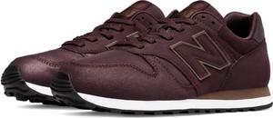 Czerwone buty sportowe New Balance w street stylu sznurowane 373