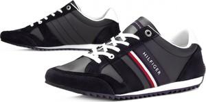 5b03c85f Granatowe buty sportowe Tommy Hilfiger sznurowane