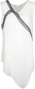 Bluzka Pinko z jedwabiu z dekoltem w kształcie litery v