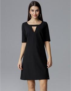 Czarna sukienka Figl z krótkim rękawem trapezowa mini