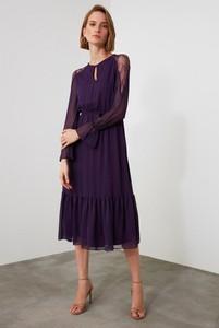 Fioletowa sukienka Trendyol midi z długim rękawem