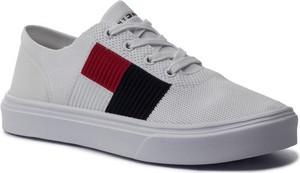 TOMMY HILFIGER Tenisówki Lightweight Knit Flag Sneaker FM0FM02545 Biały