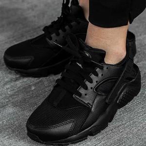 Buty sportowe Nike sznurowane w sportowym stylu huarache