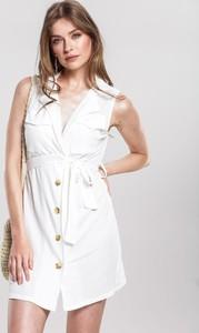 Sukienka Renee mini z dekoltem w kształcie litery v w stylu casual