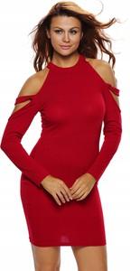 Czerwona sukienka Inna dopasowana