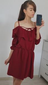 Czerwona sukienka Nefresca rozkloszowana w stylu casual