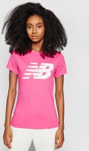 Różowa bluzka New Balance w sportowym stylu