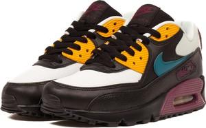 ac75e66a1cc4 Buty sportowe Nike sznurowane na koturnie w sportowym stylu