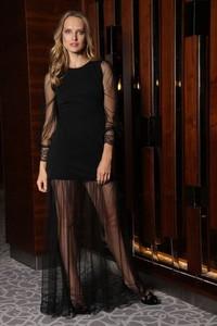 Czarna sukienka Martino Demi midi dla puszystych