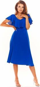 Niebieska sukienka Awama z krótkim rękawem z tkaniny