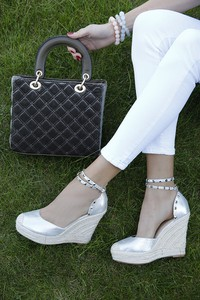 ff416551868e9f buty damskie letnie na koturnie - stylowo i modnie z Allani