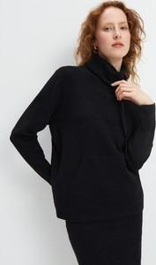 Czarny sweter Mohito w stylu casual