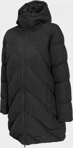 Czarny płaszcz Outhorn