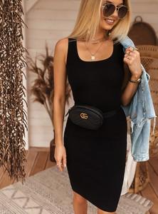 Czarna sukienka SELFIEROOM dopasowana