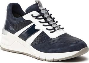 Granatowe buty sportowe Tamaris sznurowane