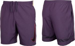 Fioletowe spodenki Nike w sportowym stylu