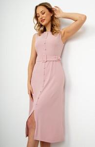 Różowa sukienka ZOiO.pl midi ołówkowa z dekoltem w kształcie litery v