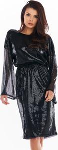 Czarna sukienka Awama z dekoltem w łódkę z długim rękawem
