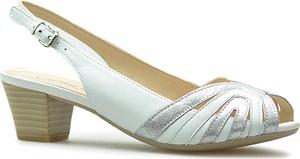 Sandały Caprice w stylu casual na obcasie ze skóry ekologicznej