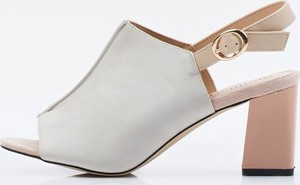 Sandały Monnari z klamrami na średnim obcasie w stylu glamour