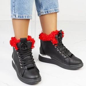 Czarne botki Royalfashion.pl w młodzieżowym stylu z płaską podeszwą