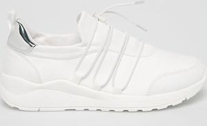 Buty sportowe S.Oliver sznurowane z płaską podeszwą