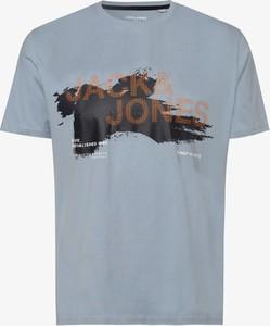 Niebieski t-shirt Jack & Jones z krótkim rękawem w młodzieżowym stylu