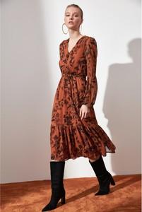 Sukienka Trendyol w stylu casual z długim rękawem