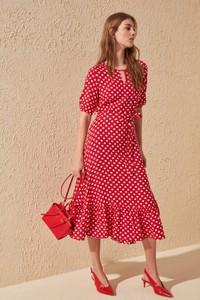 Różowa sukienka Trendyol midi