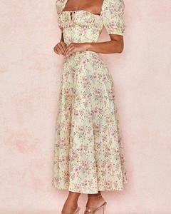 Sukienka Kendallme w stylu boho maxi z krótkim rękawem