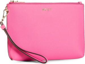 Różowa torebka DKNY mała matowa