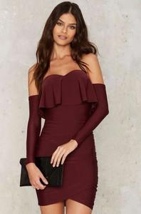 Czerwona sukienka Ivet.pl mini z długim rękawem