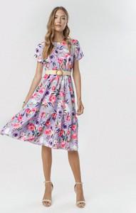 Fioletowa sukienka born2be z krótkim rękawem