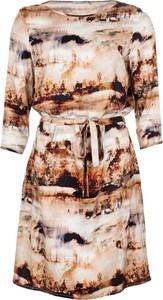 Sukienka Cadadia w stylu casual mini z okrągłym dekoltem