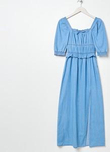 Niebieska sukienka Sinsay z okrągłym dekoltem midi