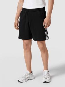 Spodenki Adidas Originals w sportowym stylu